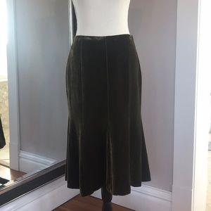 Ralph Lauren black label fully lined velvet skirt.